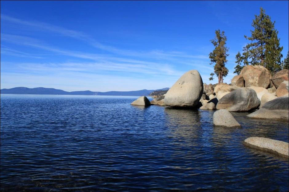 IMG_2857-Lake-Tahoe-Calm-blue-November-reduced
