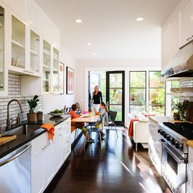 smart-remodel-kitchen-use-space-wisely-1213-l