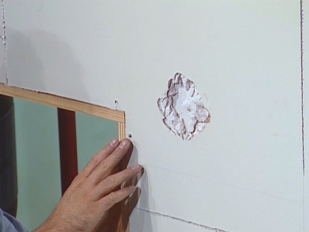 CFI102_drywall-repair-before_s4x3_lg