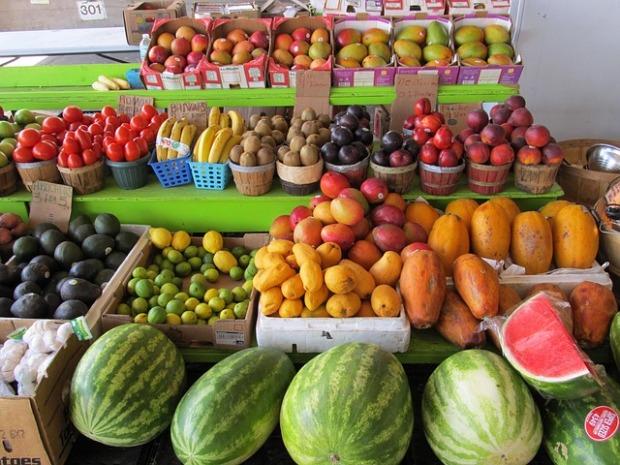 farmers-market-373770_640