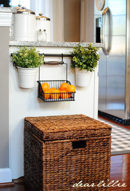 Fruit-basket-towel-bar