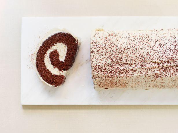FNM_120114-Eggnog-Chocolate-Cake-Roll-Recipe_s4x3.jpg.rend.sni18col