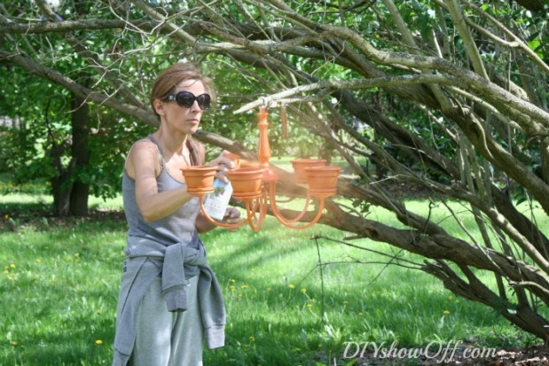 spray-painting-chandelier