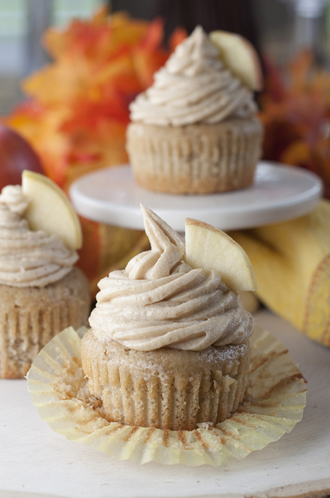 apple-cider-cupcakes-and-brown-sugar-cinnamon-buttercream-recipe-2